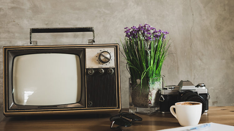 5 Reasons Why Writers Should Watch TV!